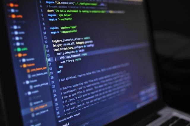 Jakie narzędzia programistyczne pomogą stworzyć program komputerowy?